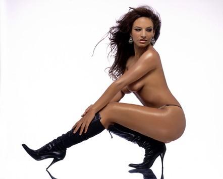 A nude woman g spot
