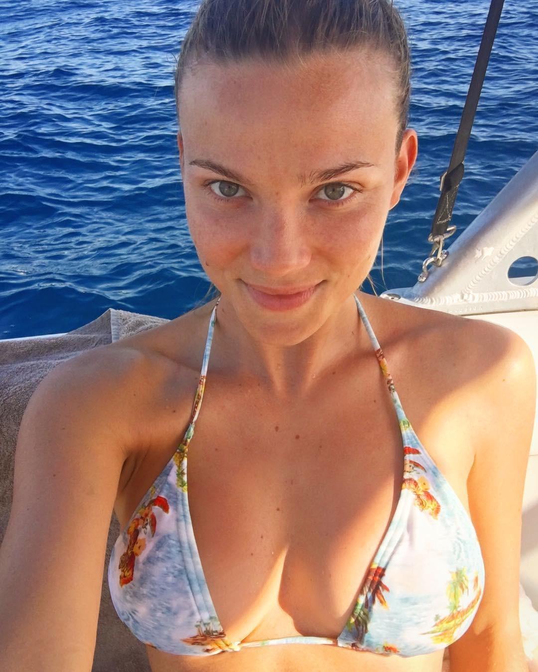 Young Alexis Dziena nudes (43 photos), Ass, Hot, Boobs, in bikini 2019