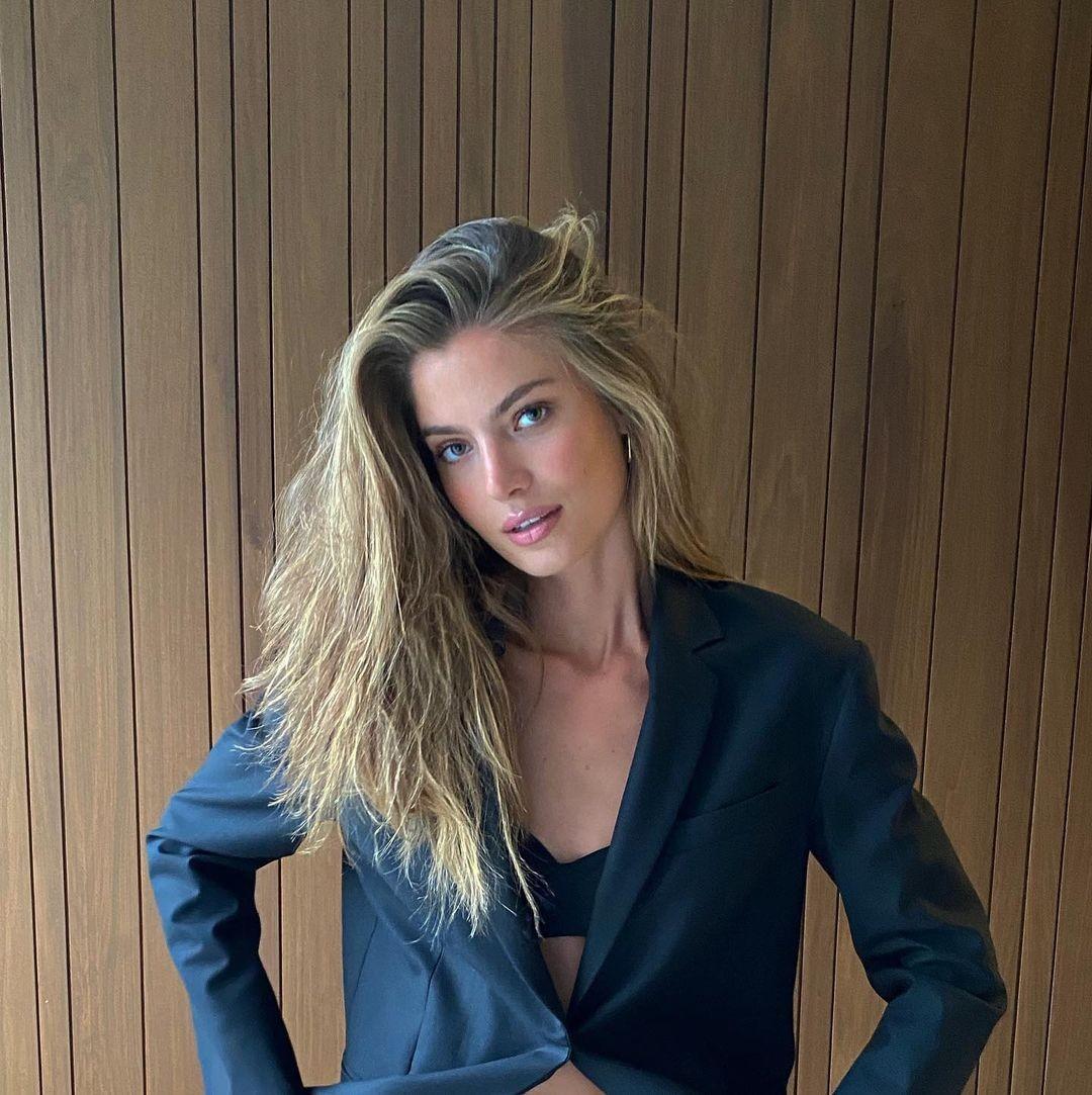 Frederikke Winther  nackt