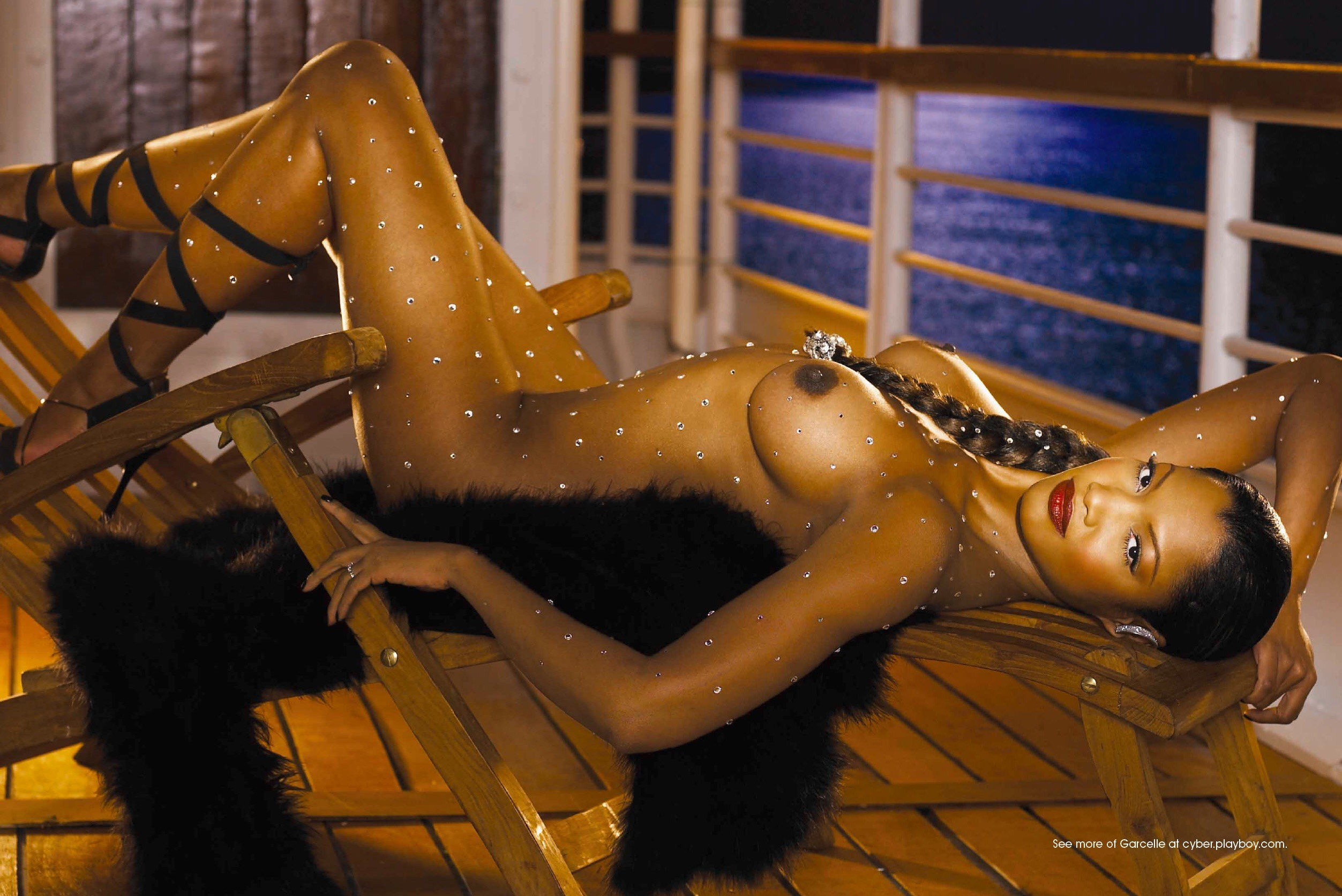 garcelle-beauvais-tittys-in-camel-toe-female-ass