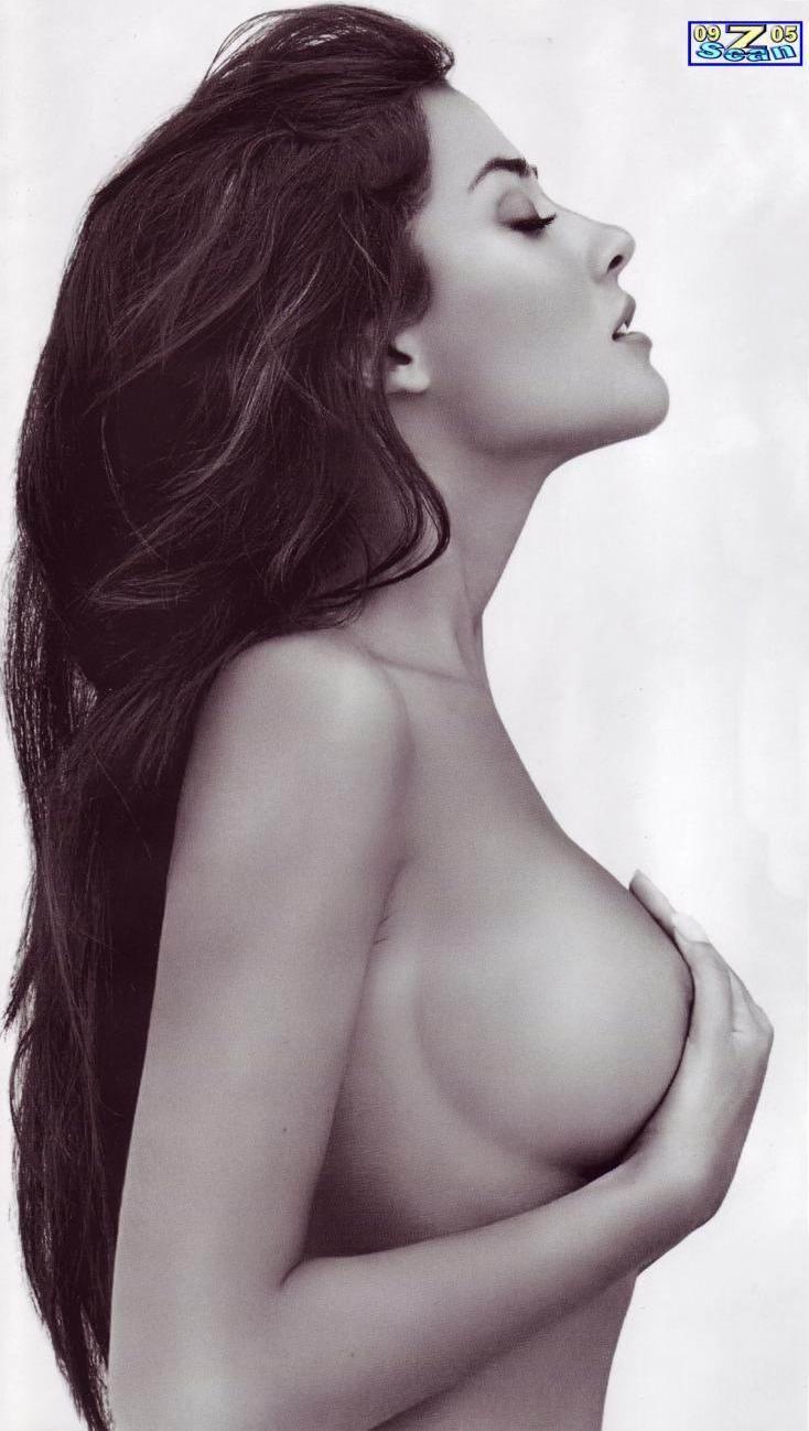 Черно белое фото девушек с большой грудью 17 фотография