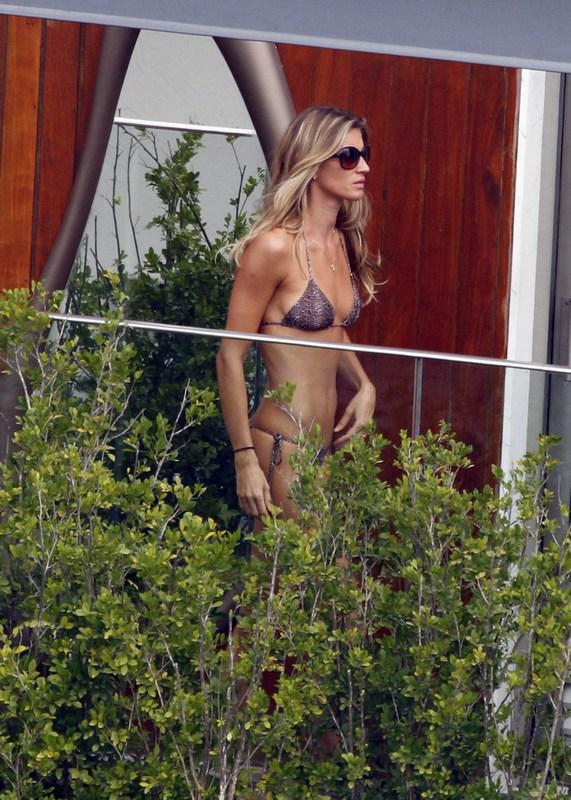 Gisele Bndchen Nude - Page 5 Pictures, Naked, Oops -6461