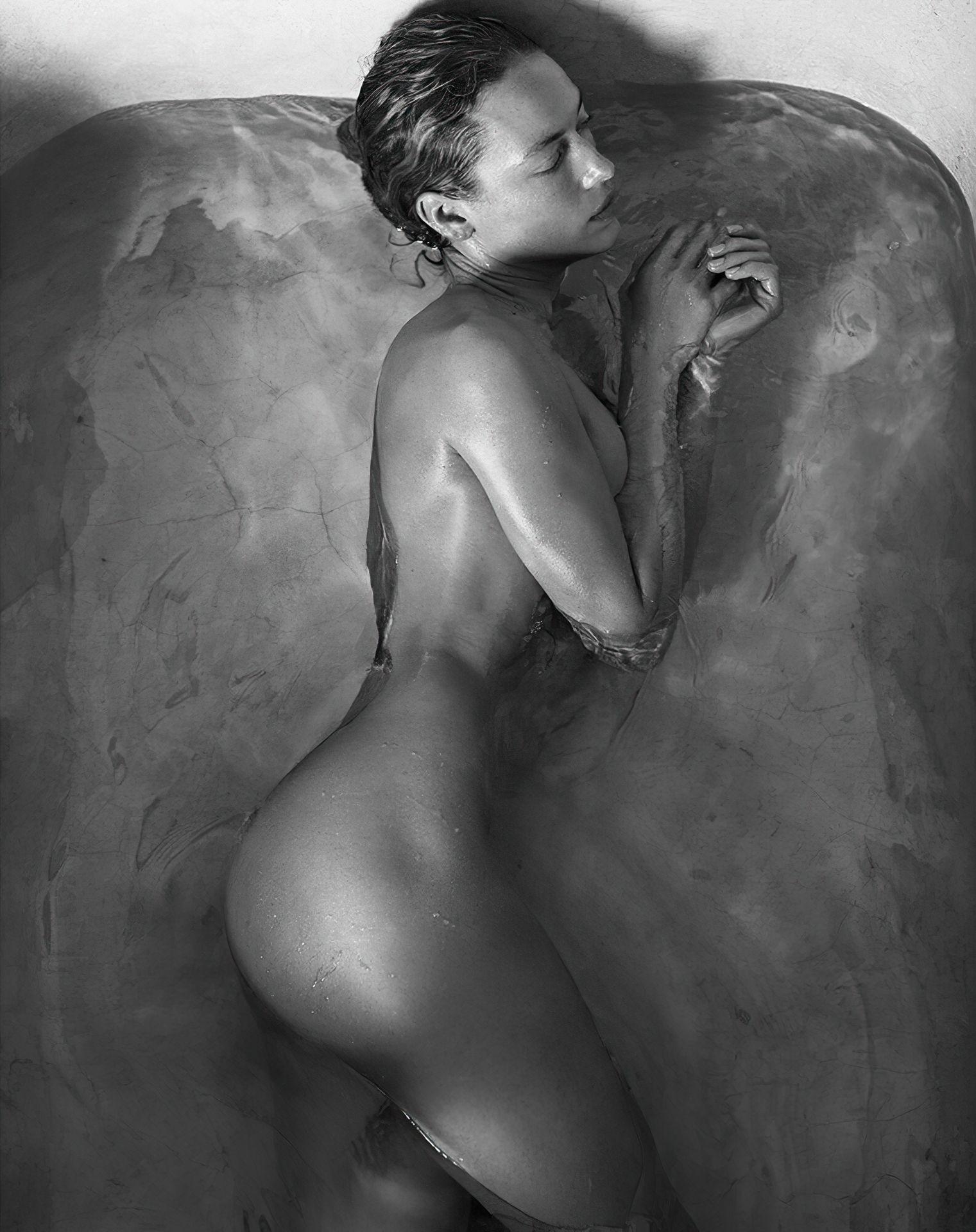 Ferguson topless hannah Hannah Ferguson