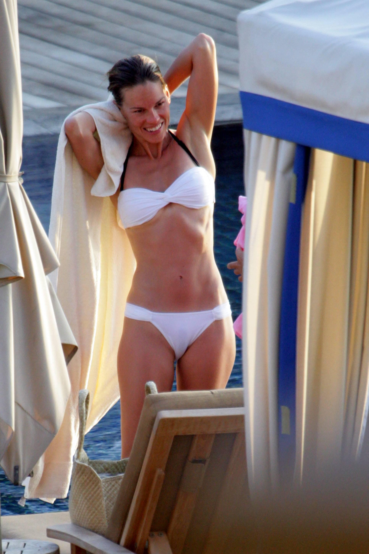 Emma roberts sexy lingerie scene on scandalplanetcom - 2 part 5