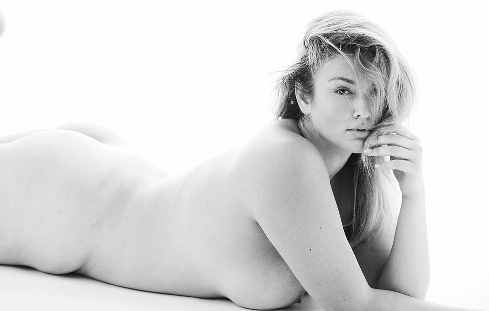 Slaine Kelly Nude Topless Huge Boobs