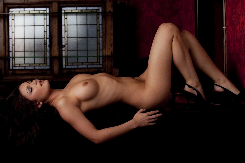 Rachael reynolds in the nude 14