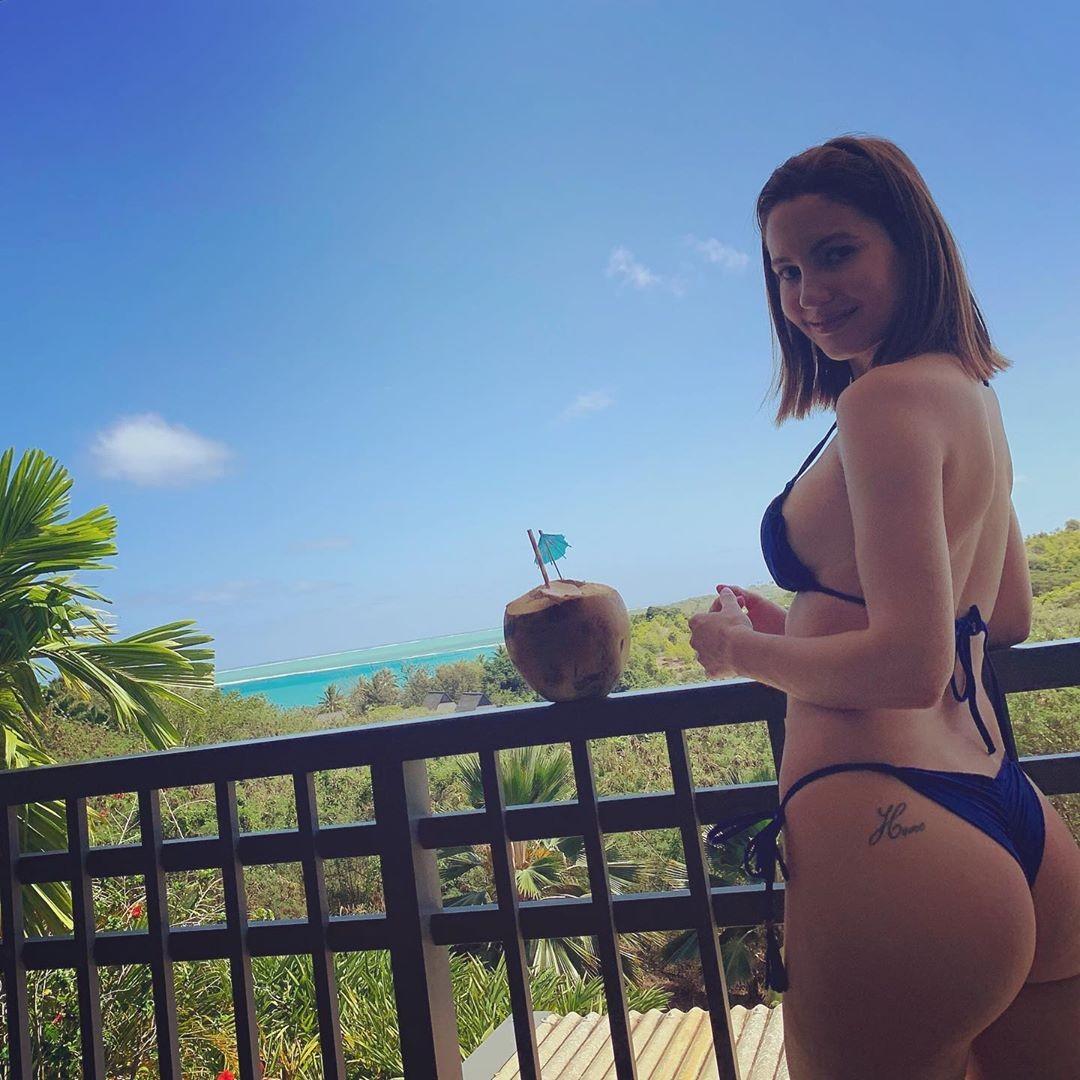 Naked baquero Ivana Baquero