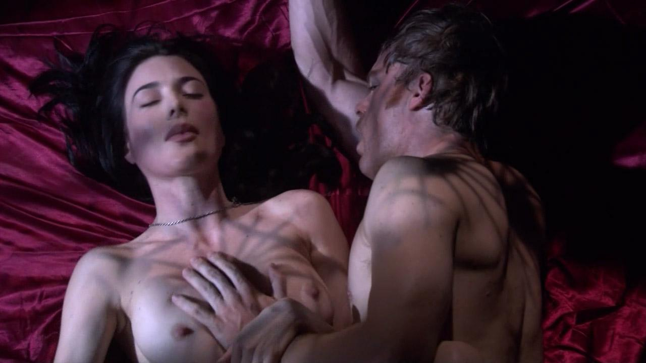 Lucy Lawless Jaime Murray Threesome In Spartacus
