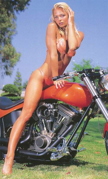 Poison and her brown nips take on another cummer - 3 3