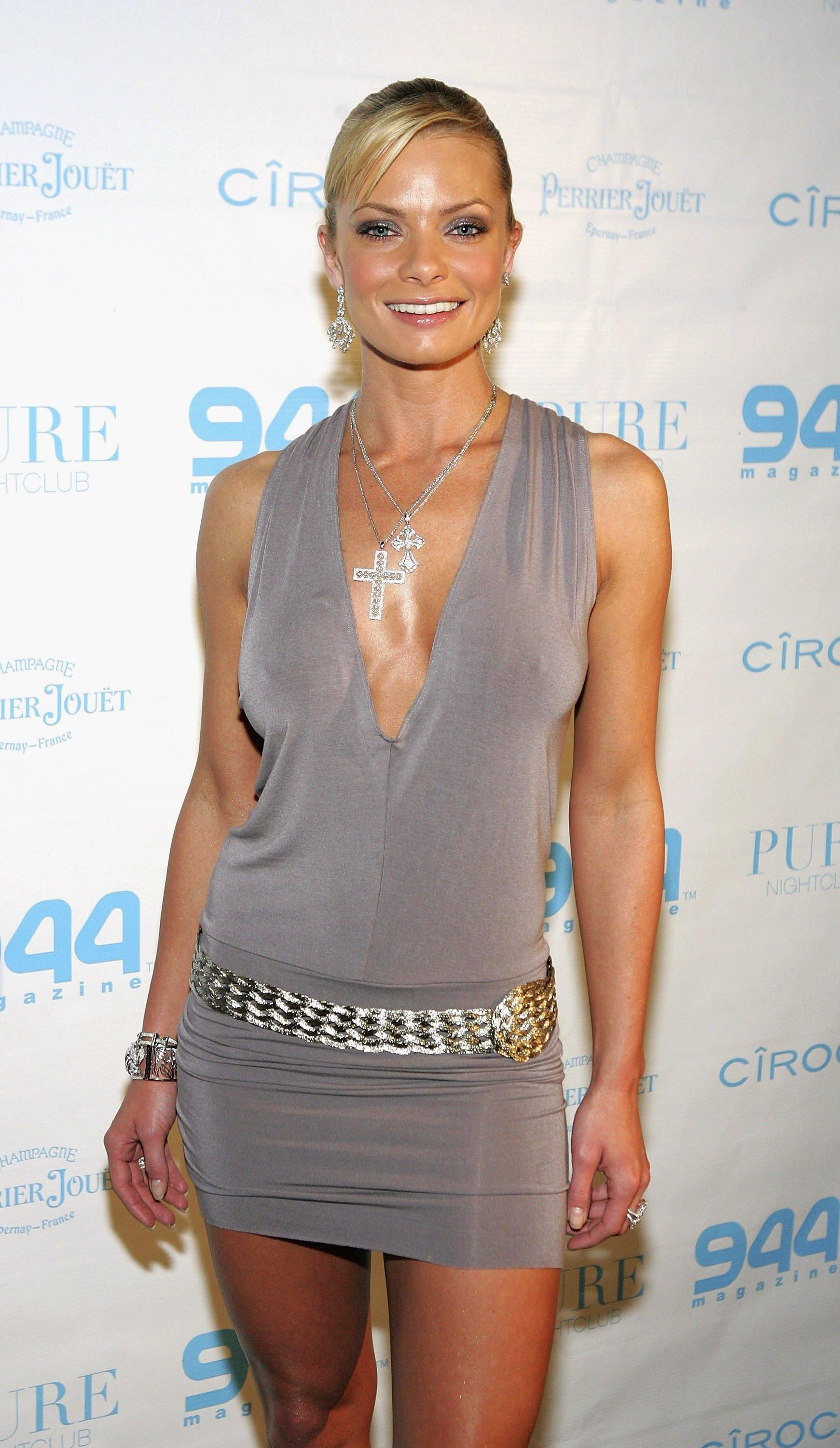 Jaime Pressly Nude Naked Pics And Videos Imperiodefamosas