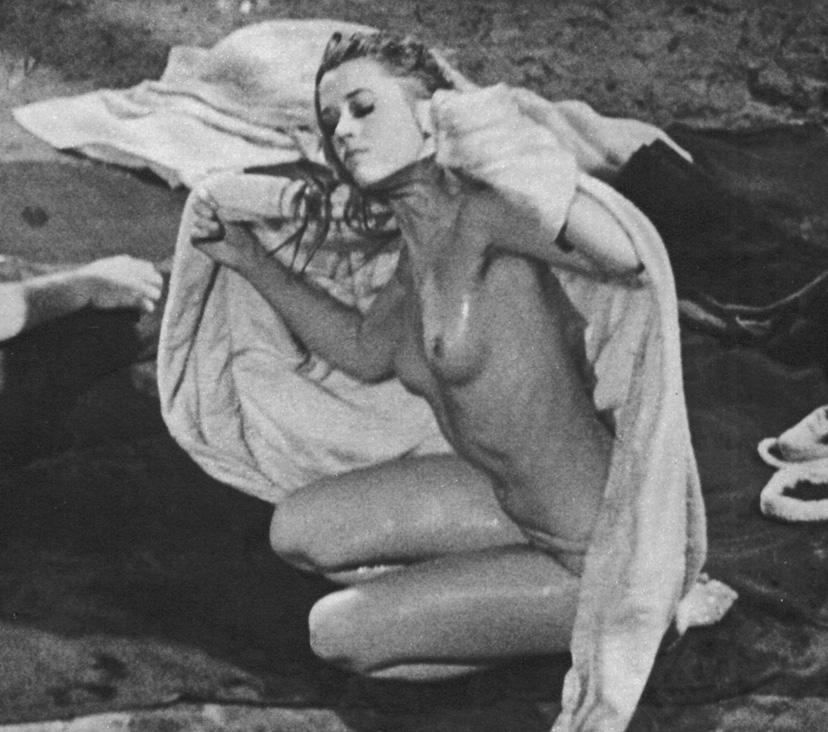 nude-male-images-jane-fonda-as-barbarella-naked-steve