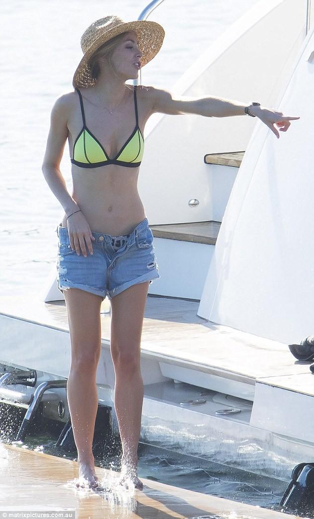 Nadine girls aloud bikini
