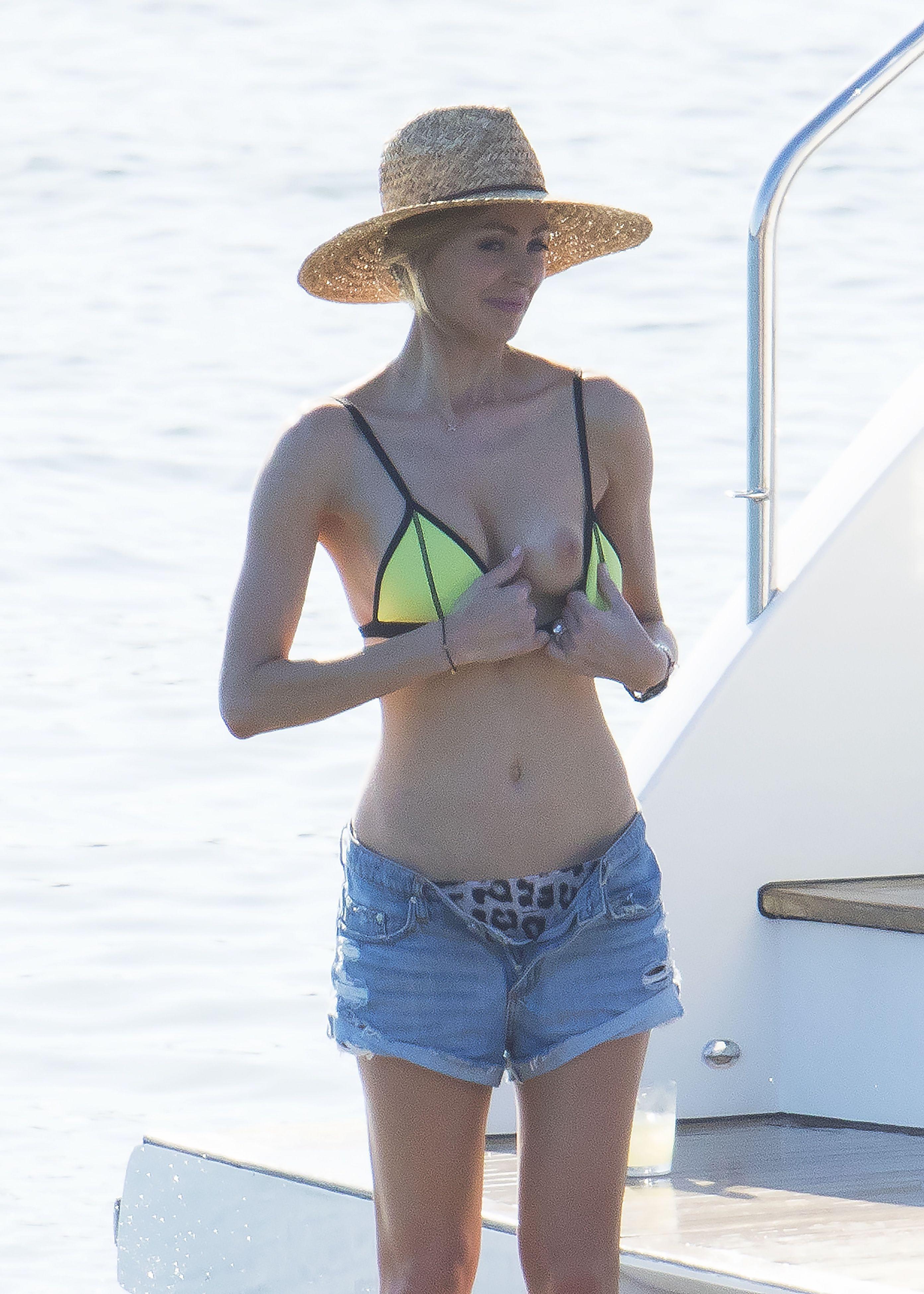 Jennifer hawkins nude the fappening