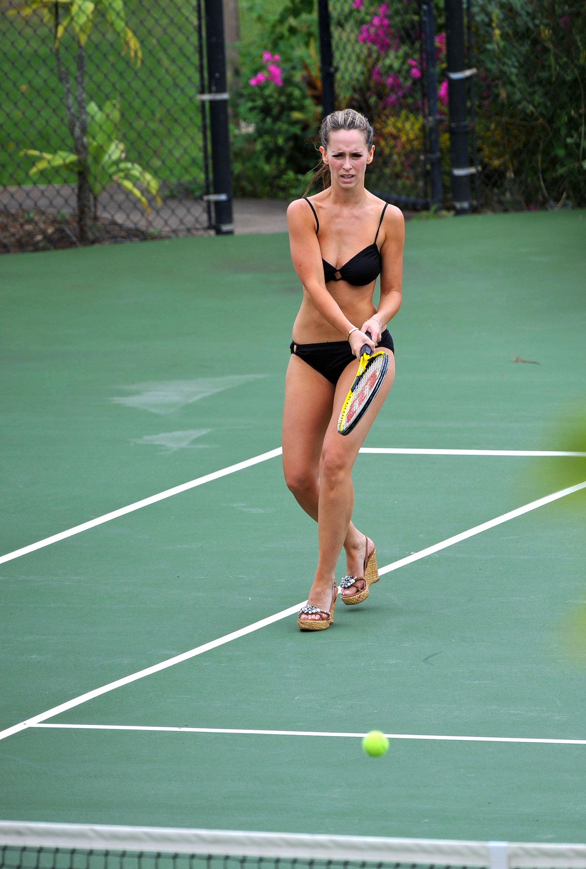 leve bikini Jennifer hewitt