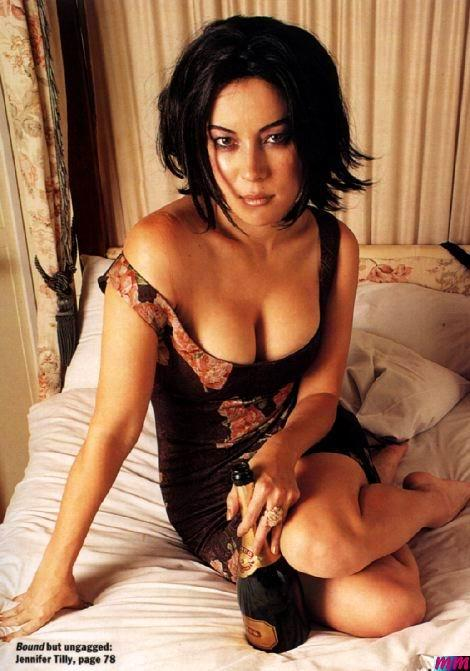 Jennifer tilly pis desnuda