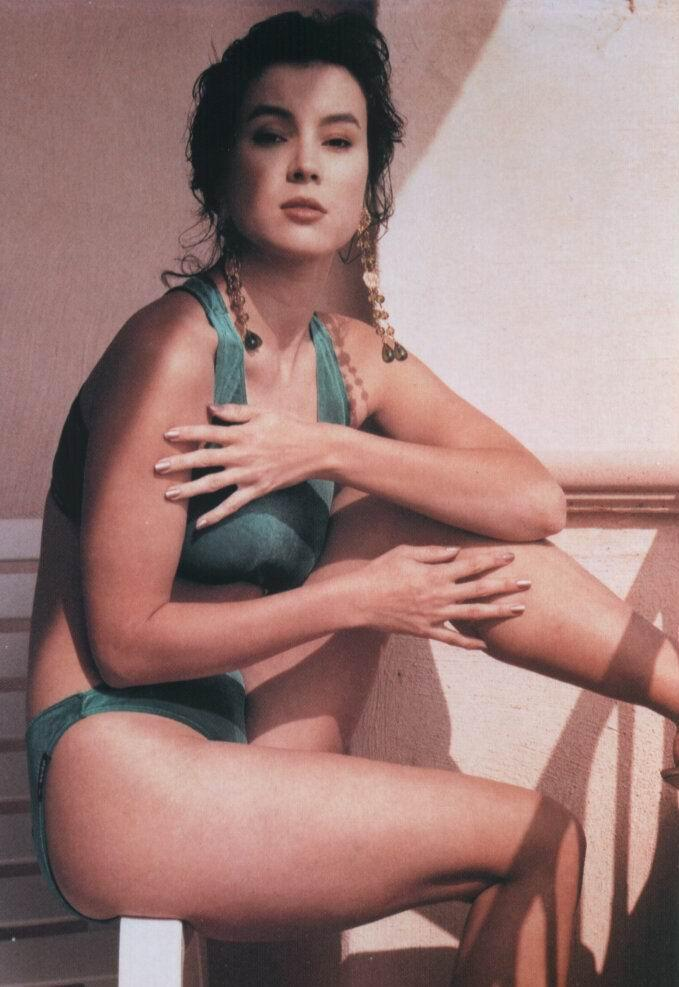 Jennifer Tilly nackt, Oben ohne Bilder, Playboy Fotos,