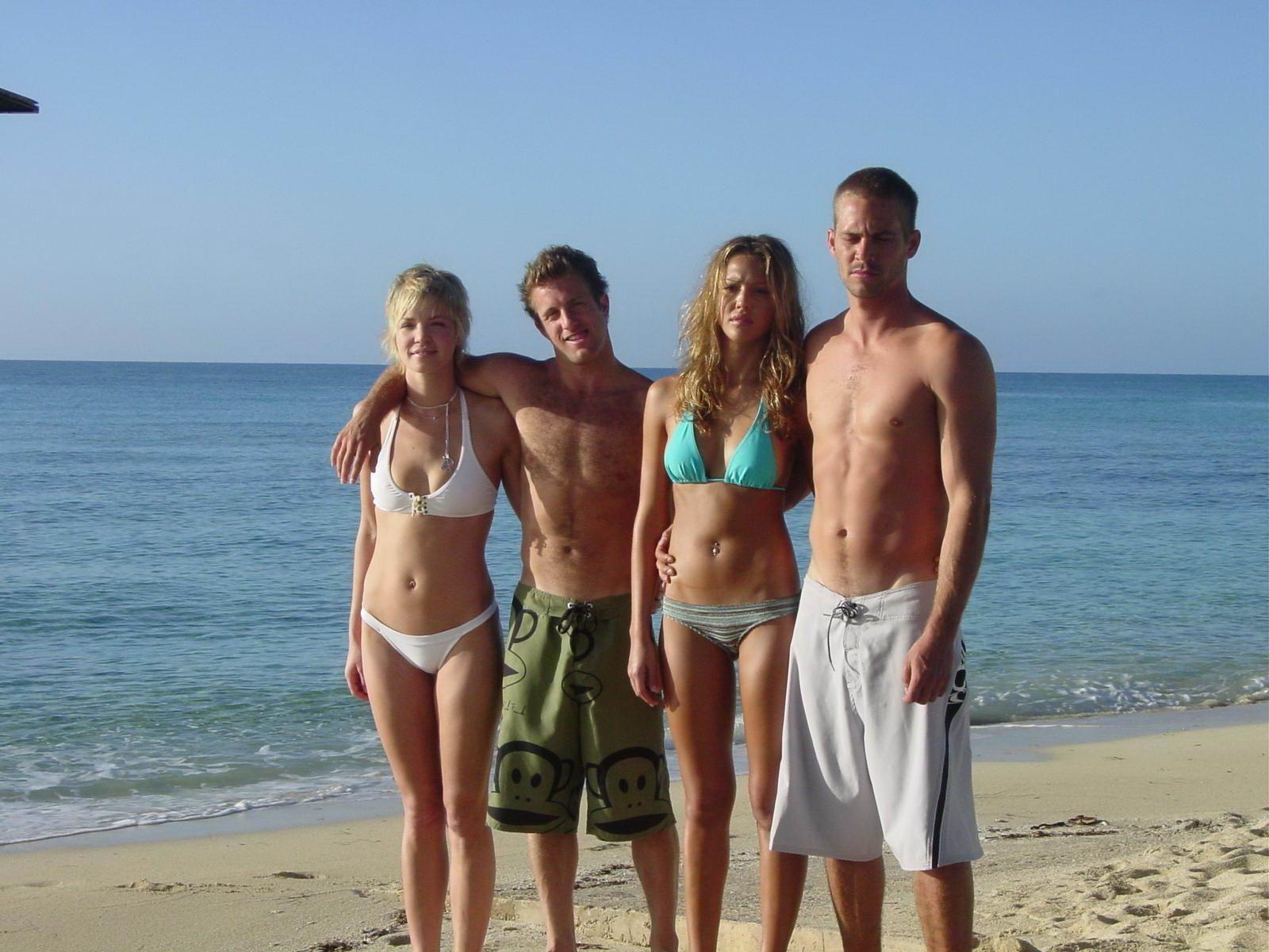 Bikini de escenas de bikinis de Krank