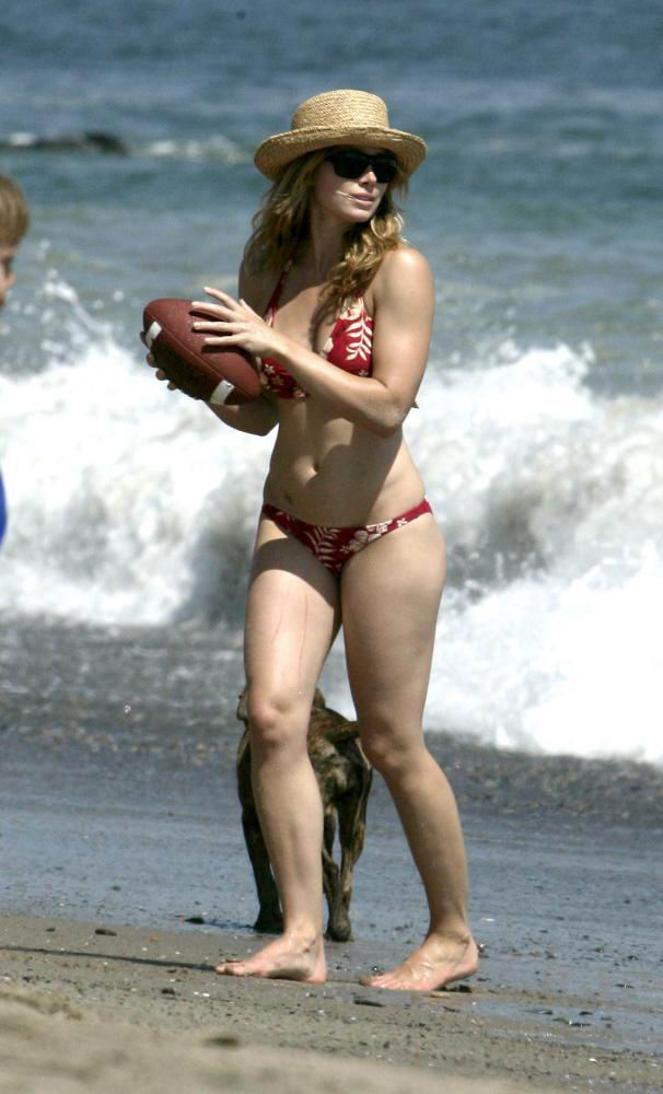 Jessica biel summer catch pool scene - 1 part 4