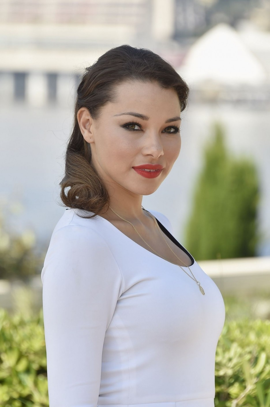 Jessica parker kennedy hannah new others black sails - 2 part 1