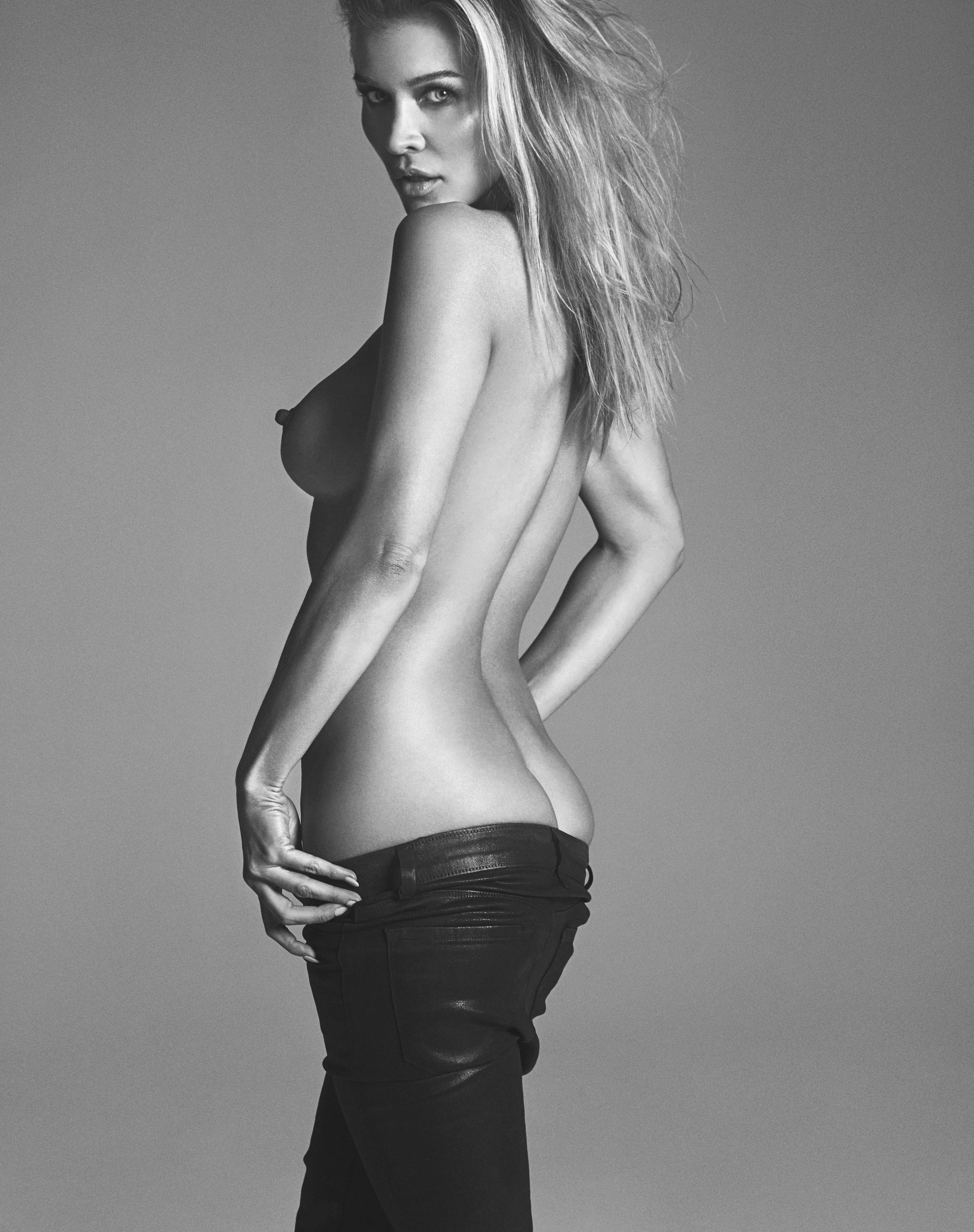 Johanna Krupa Sexy