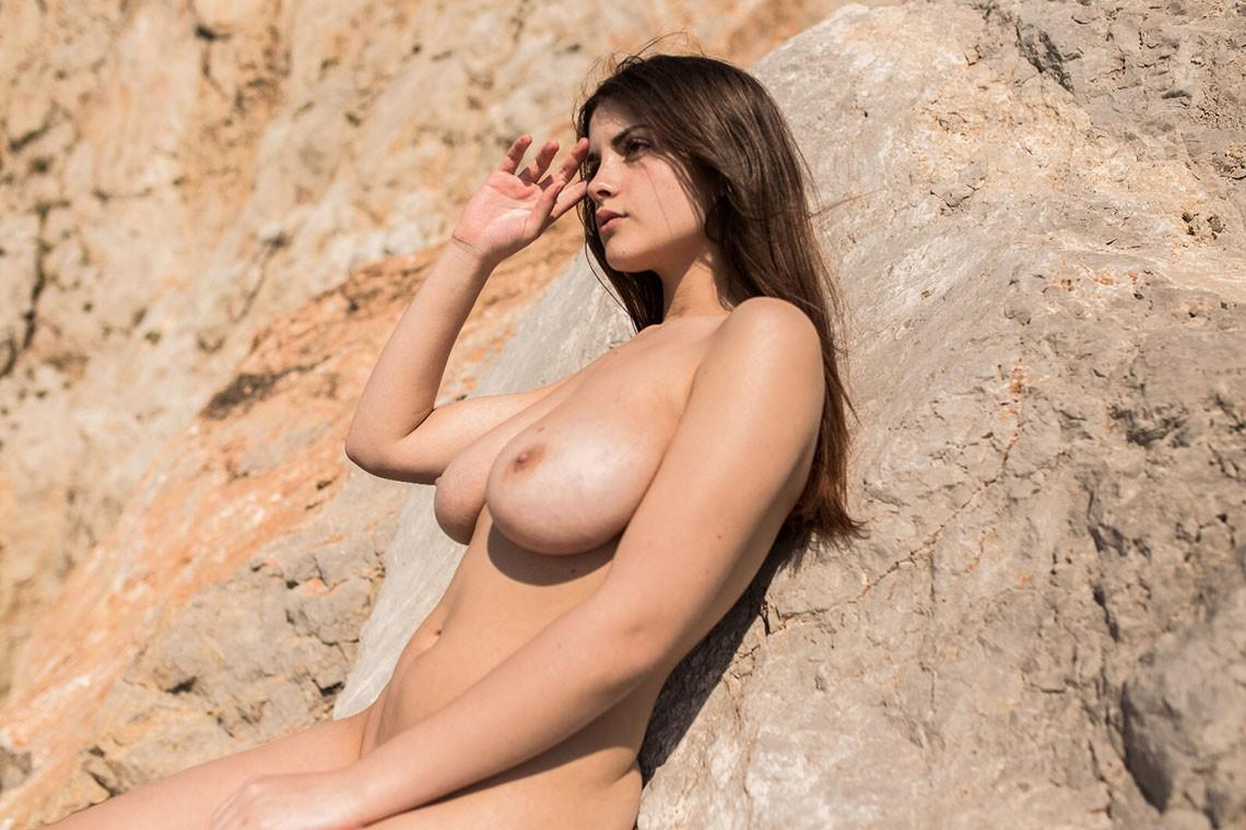 Celebrity nude and famous model