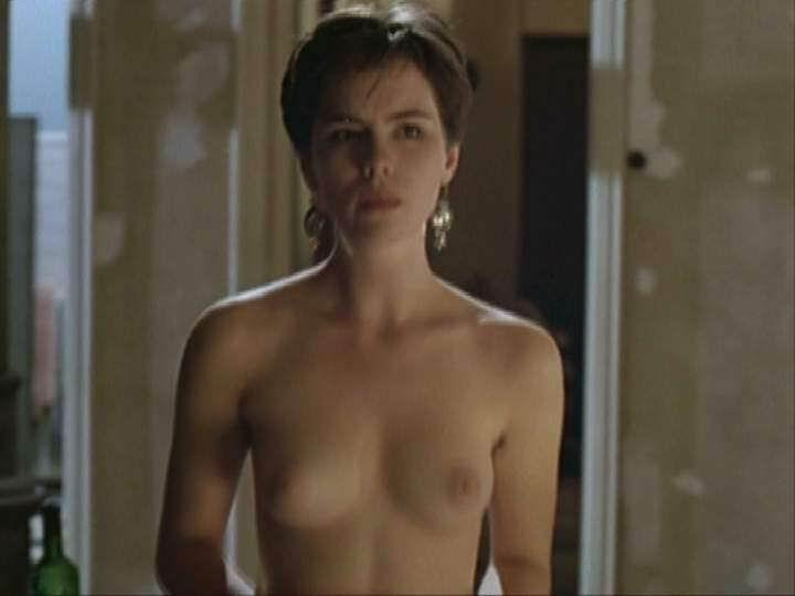 Kate Beckinsale desnuda y elegante de vuelta a las