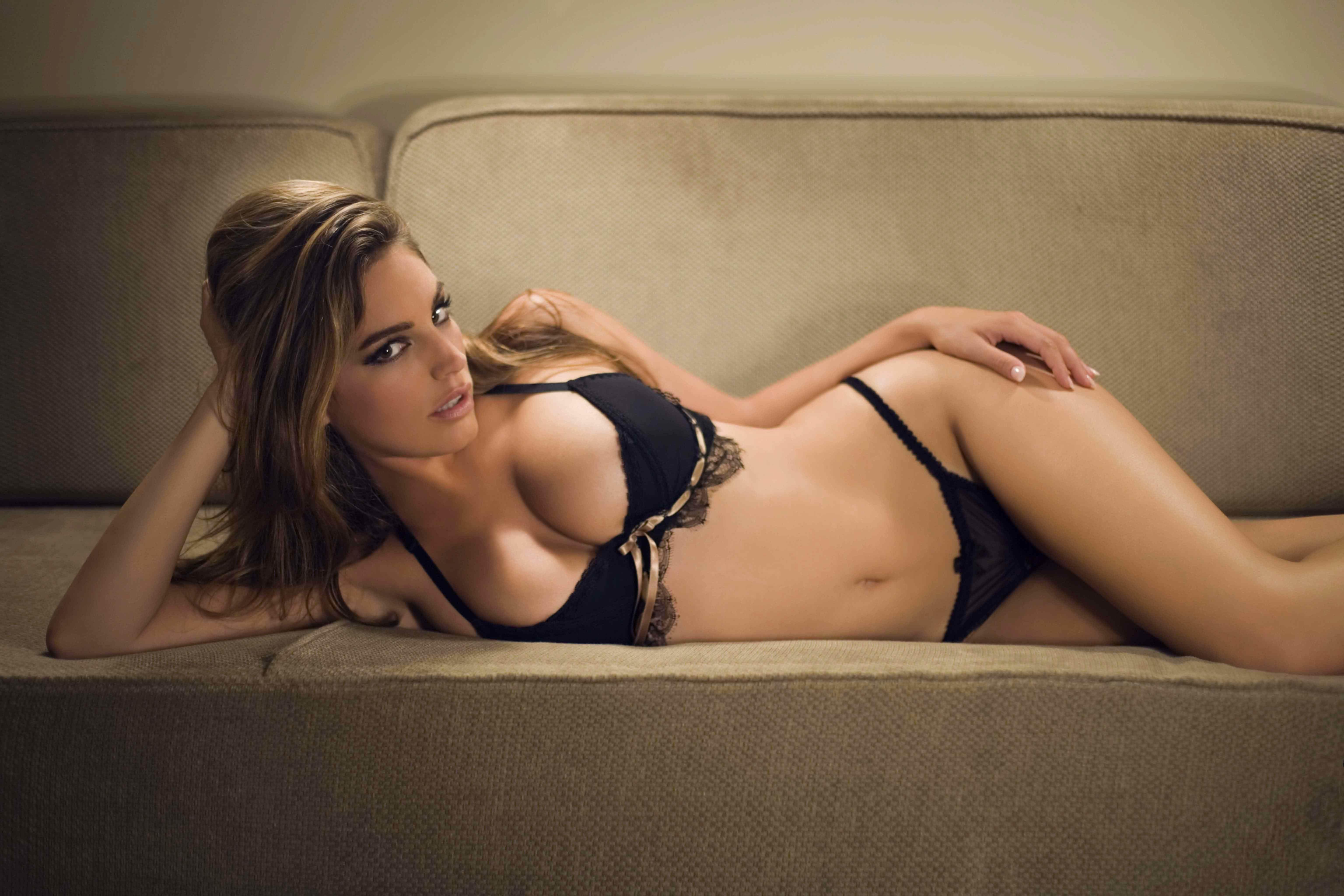 Most sexiest nude women in world