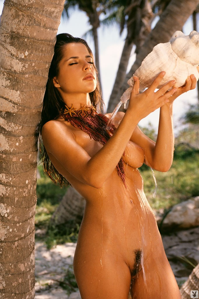 красивая эротика на острове