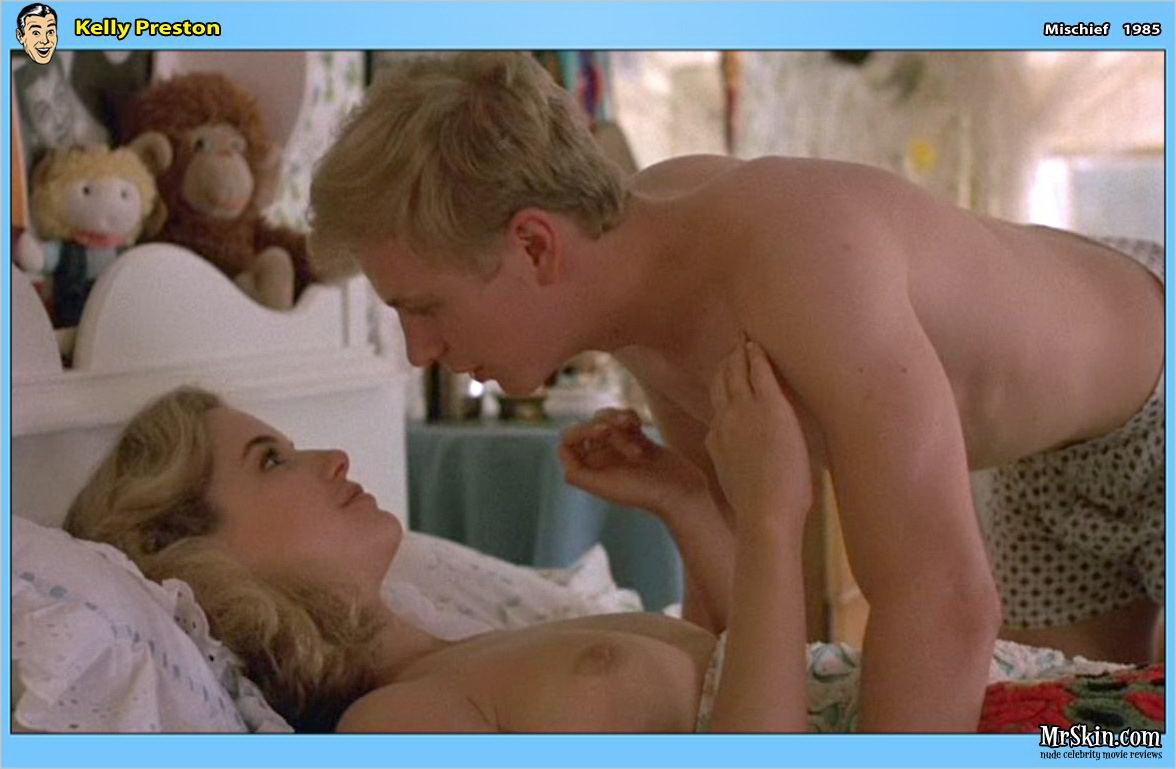 Kelly preston free nude picture