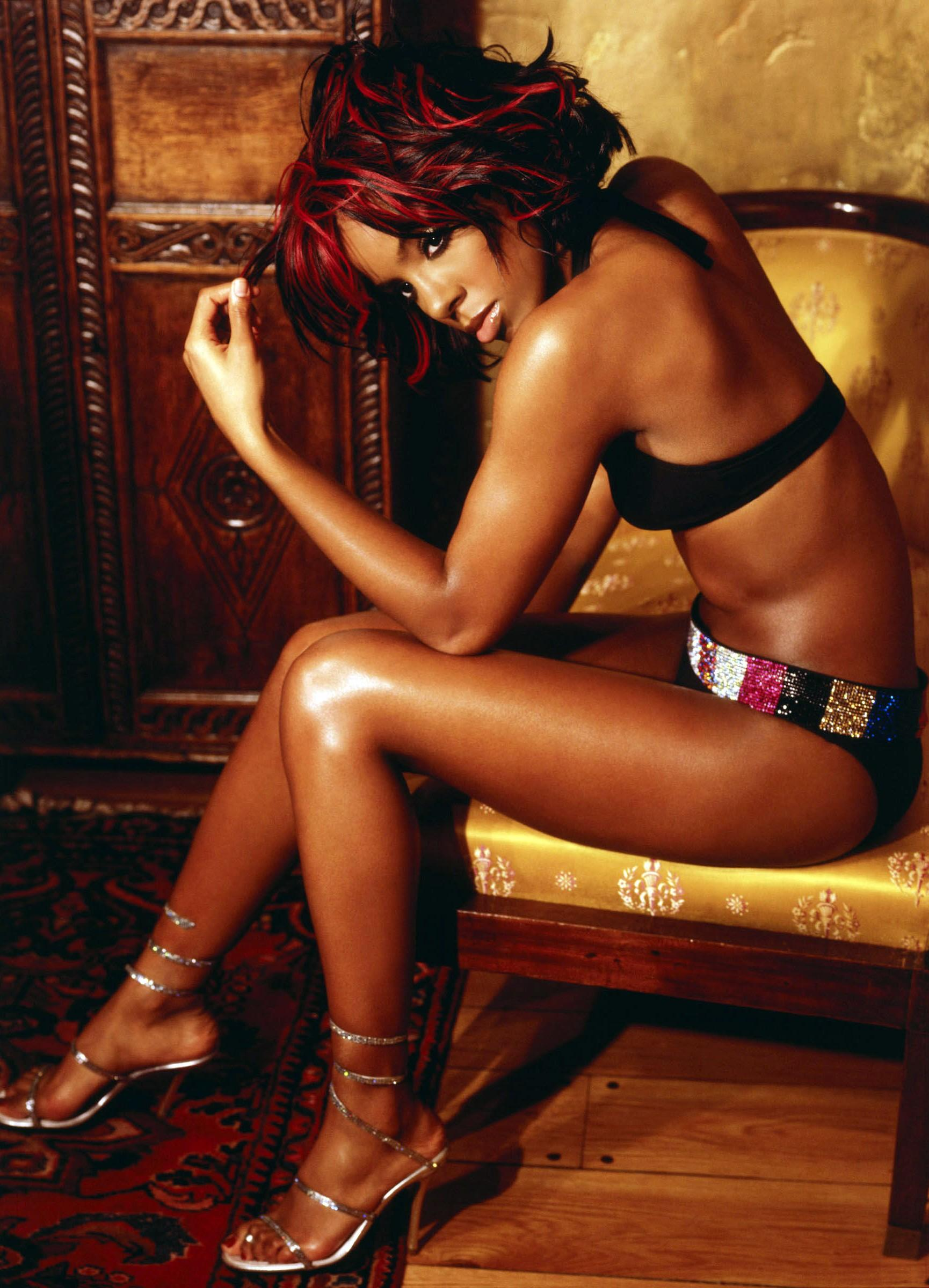 Kelly Rowland Nude - Page 2 Pictures, Naked, Oops, Topless -9092