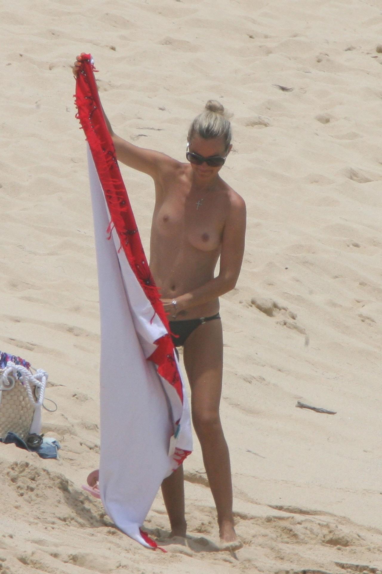 nude (86 photos), Feet Celebrity foto
