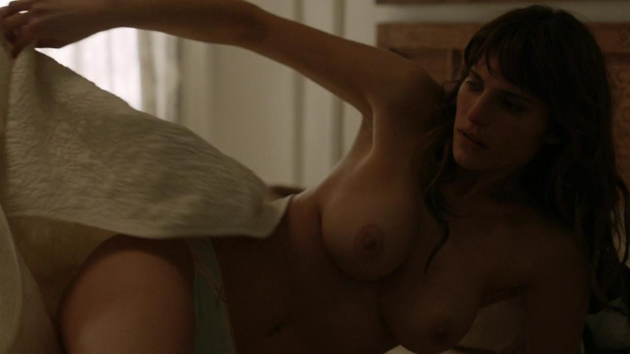 eroticheskie-foto-leyk-bell