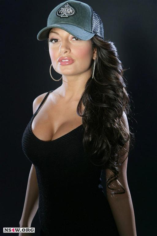 Kayleigh nackt Layla  Brooke Burke