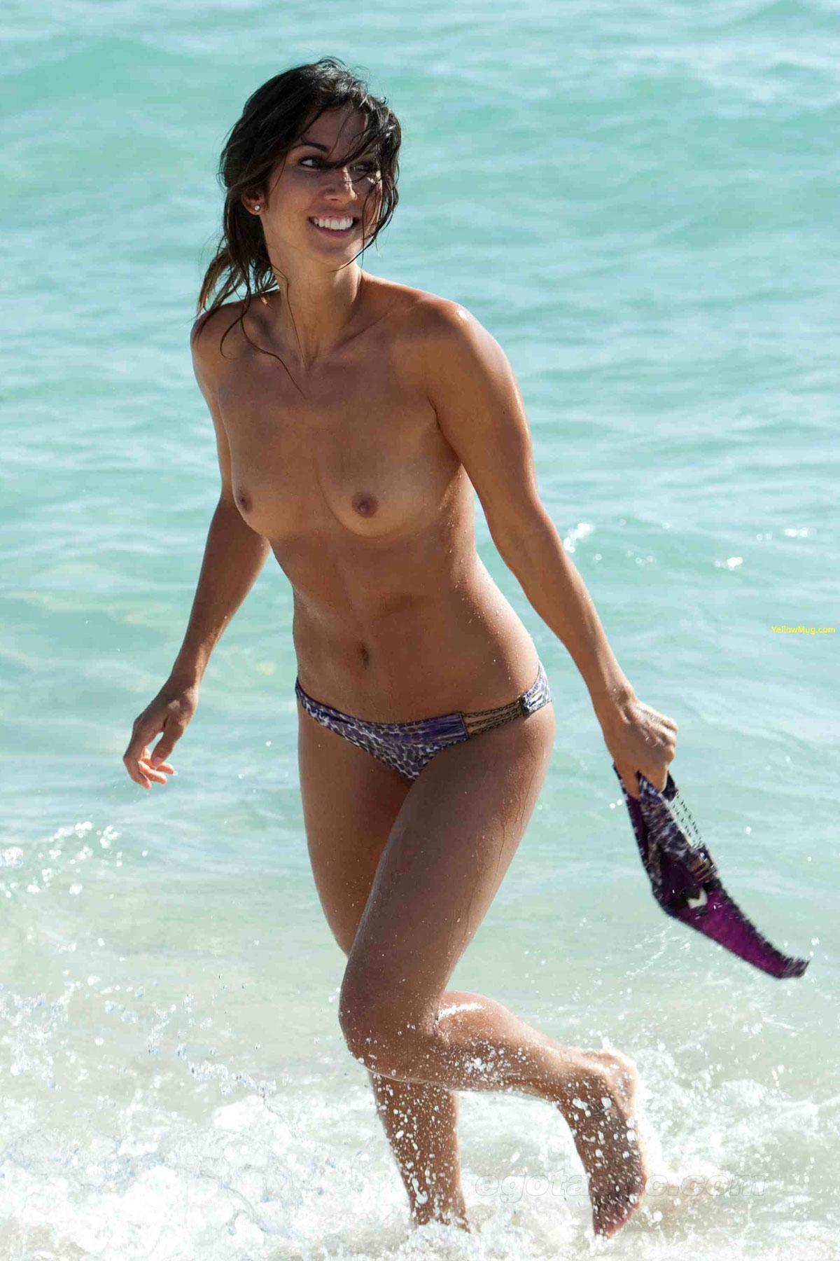 Leilani Dowding  nackt