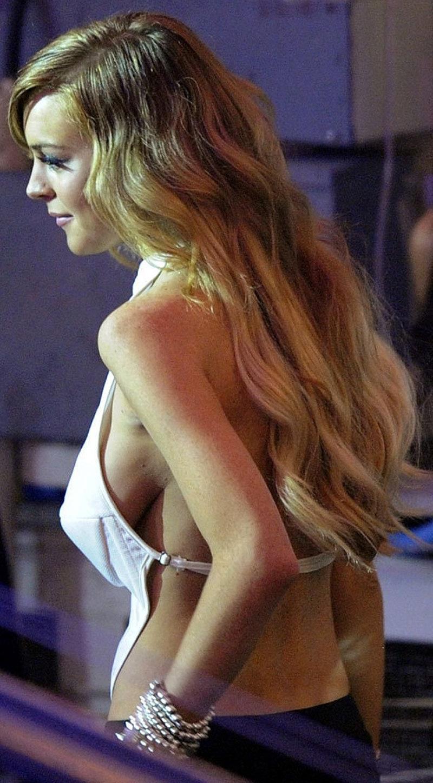 Lindsay Lohan Set To Pose Nude For Playboy