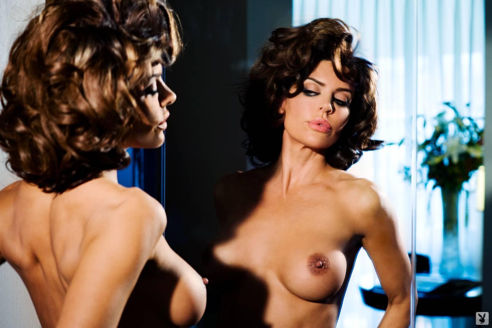 Sexy girl bikini nude