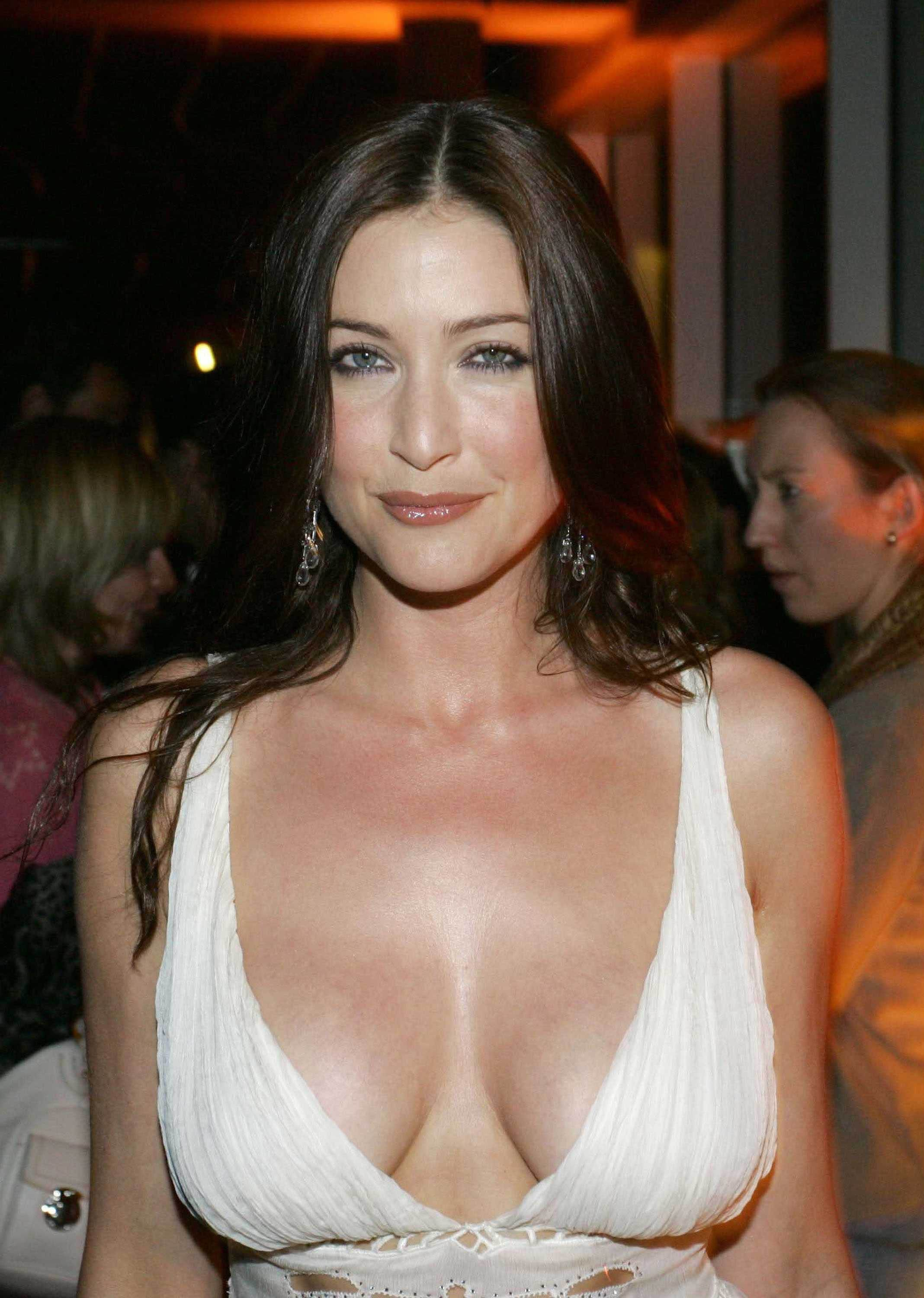 Lisa snowdon naked boobs, negroes fuckin sexy