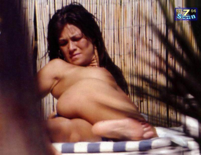 Topless Fotos De Manuela Arcuri En Topless Imperiodefamosas