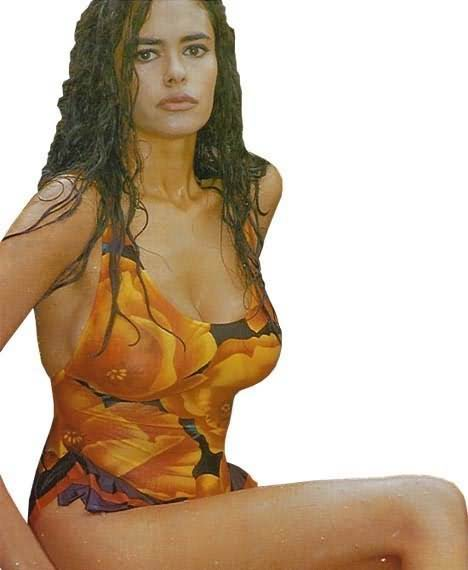 Maria grazia cucinotta bikini