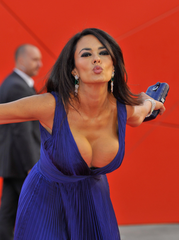 Nude sexy vagina fingering