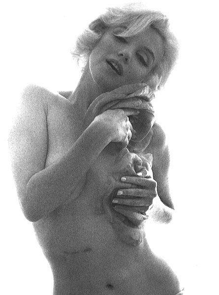 Marlon monroe naked