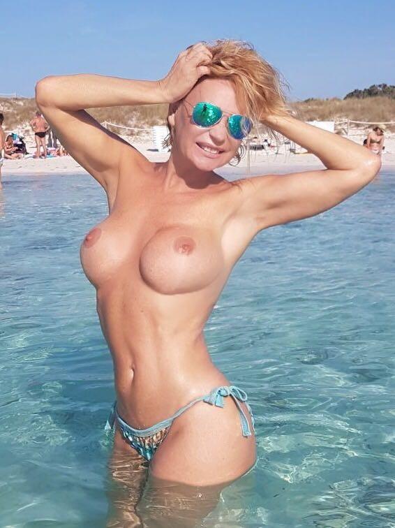 Mourreau nackt marlene Marlene Mourreau
