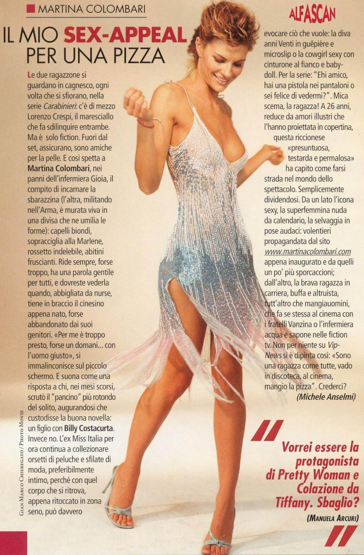 Ariana Grande Sneaks An Upskirt On TV,Eva marie naked Hot photo Paige marie evans naked,Eliya cioccolato butt