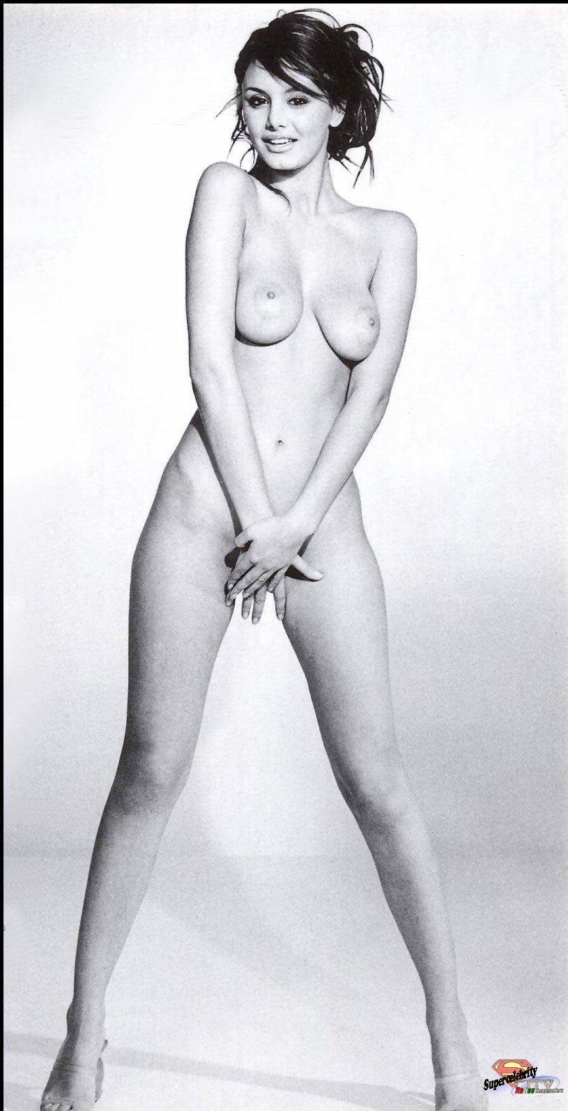 Bruni Nude Pics 26