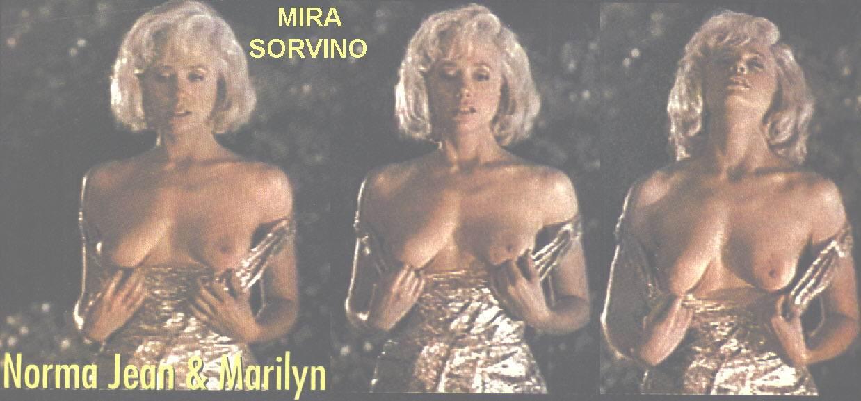 pose-mira-sorvino-bikini-pics