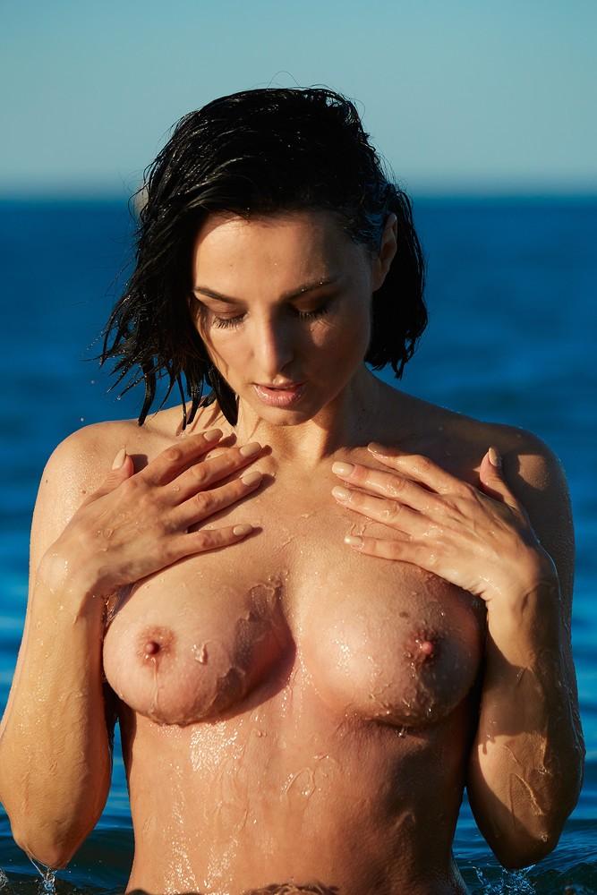 hot nude pacific island girls