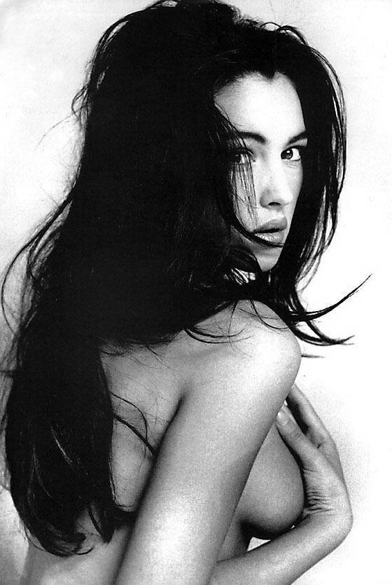 Monica Bellucci nackt Nacktbilder & Videos, Sextape