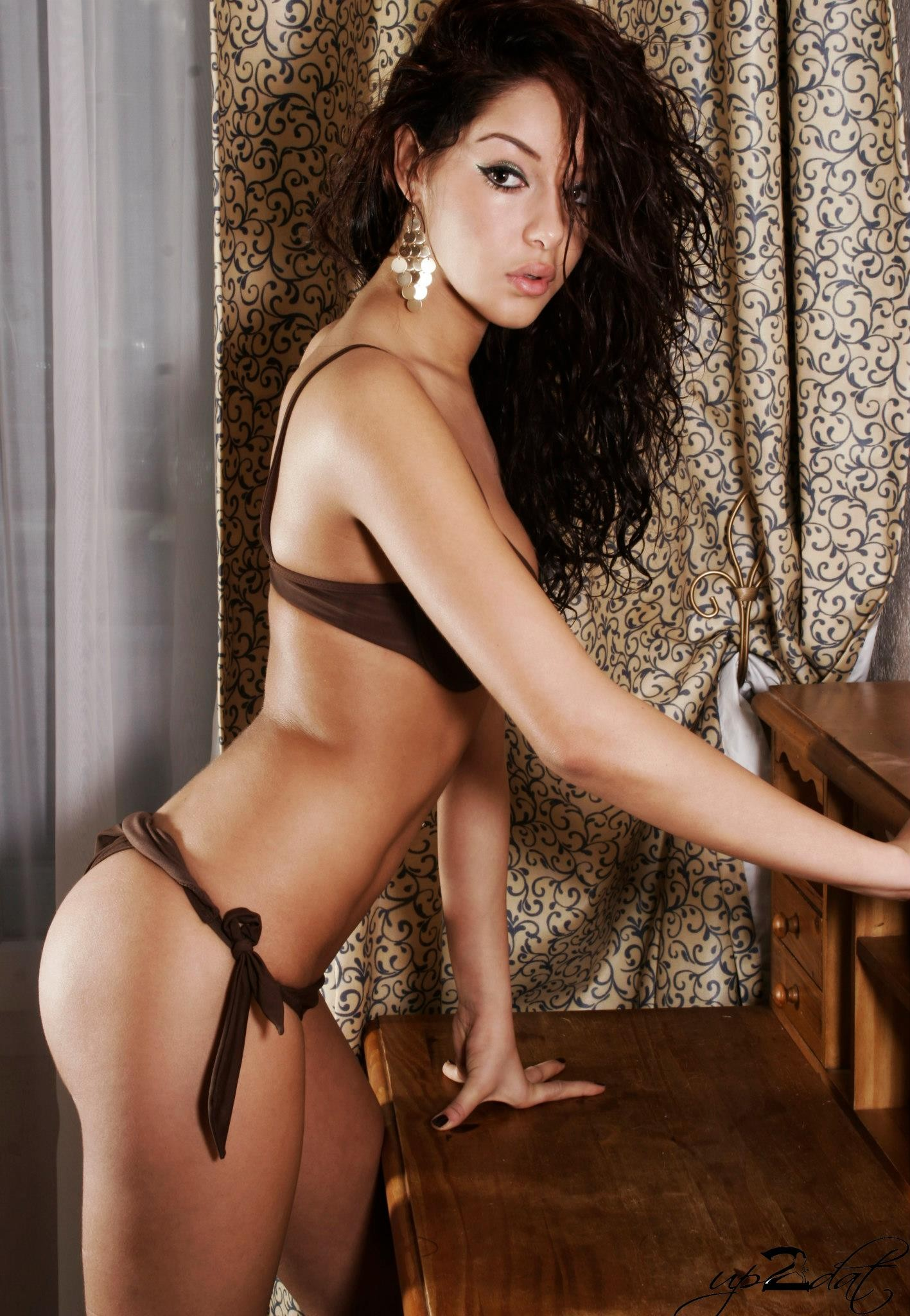Nabilla Benattia nude - Page 4 pictures, naked, oops ...