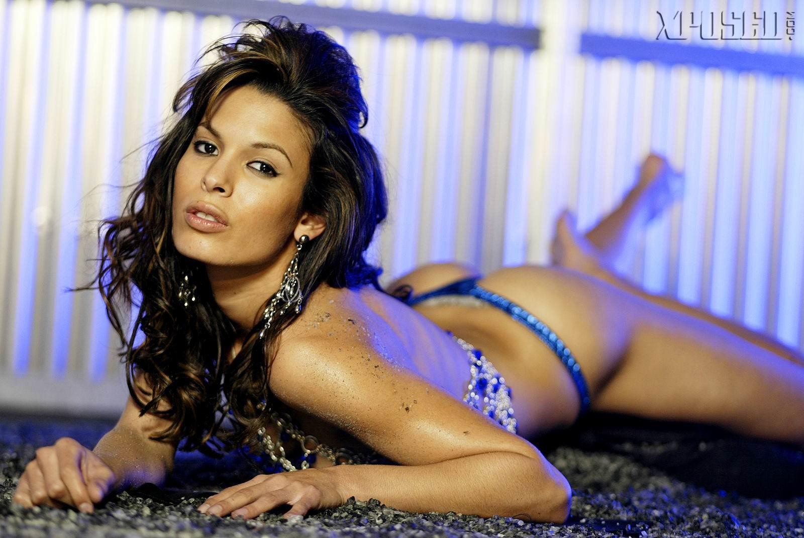 Nadine velazquez desnuda fotos