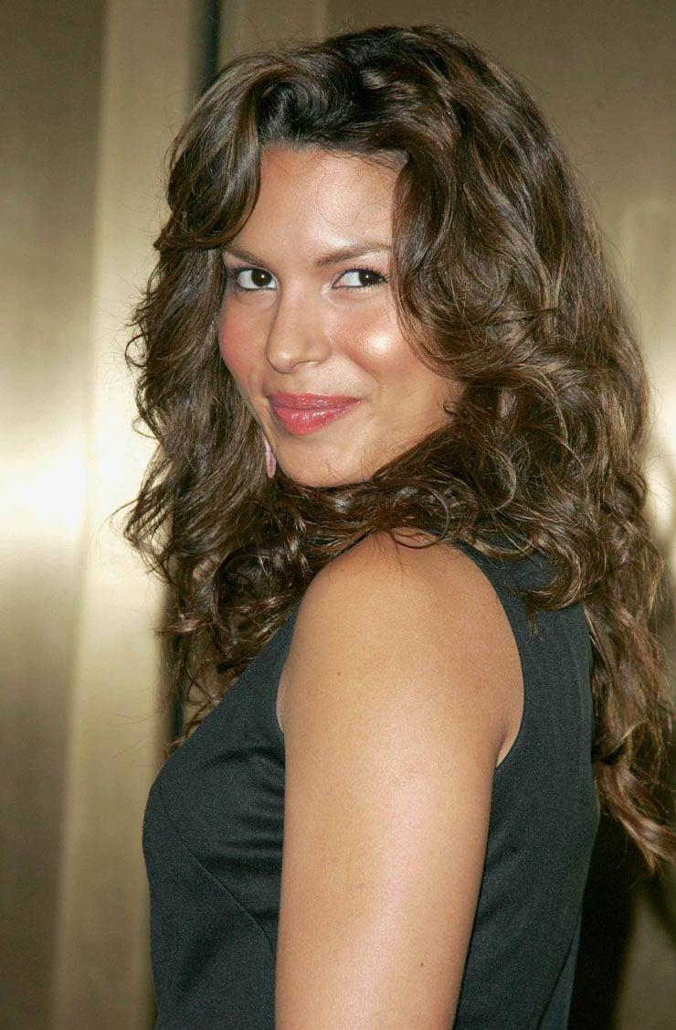 Cuerazos Fotos: Fotos de Nadine Velzquez en Revista DT